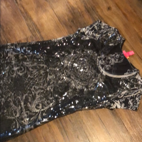 catch my i Dresses & Skirts - Black and silver sequin dress